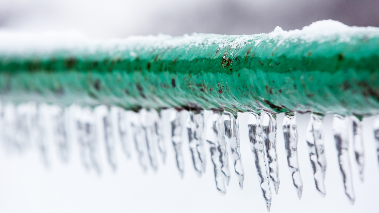 Top Tips to Avoid Frozen Burst Pipes