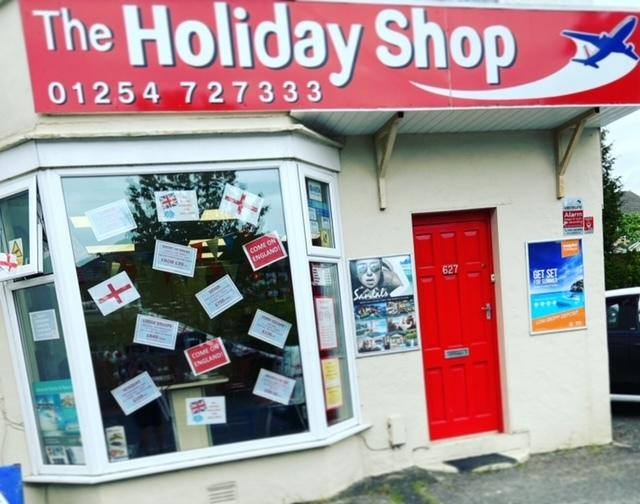 Blackburn travel agent at 'breaking point' to join mass protest